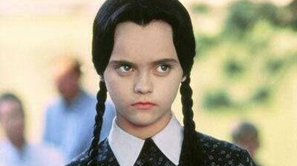 Christina Ricci spielte Wednesday Addams. Hier in «Addams Family Values» von 1993.
