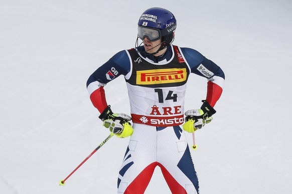 epa07376829 Dave Ryding of Great Britain reacts in the finish area during the first run of the men's Slalom race at the FIS Alpine Skiing World Championships in Are, Sweden, 17 February 2019.  EPA/VALDRIN XHEMAJ