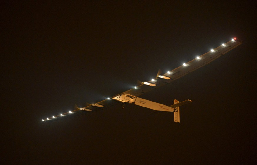 The Solar Impulse 2 plane takes off at the Nanjing Lukou International Airport, Jiangsu province, China, May 31, 2015. The plane took off from eastern China's Nanjing after more than a month of delay to complete the most challenging leg yet of its Round The World adventure: the crossing of the Pacific via Hawaii. Pilots Piccard and Borschberg will take turns at the controls of Solar Impulse 2, which began its journey in Abu Dhabi in the United Arab Emirates on March 9, as it makes its way in the first round-the-world solar-powered flight in about 25 flight days at speeds of between 50 kph and 100 kph (30 mph to 60 mph). REUTERS/Stringer CHINA OUT. NO COMMERCIAL OR EDITORIAL SALES IN CHINA
