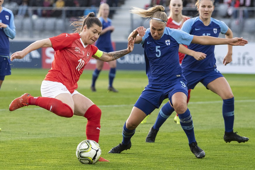 epa07487164 Switzerland's Ramona Bachmann (L) in action against Finland's Emma Koivisto during the Women's friendly soccer match between Switzerland and Finland at the Tissot Arena in Biel, Switzerland, Friday 05, April 2019.  EPA/PETER SCHNEIDER