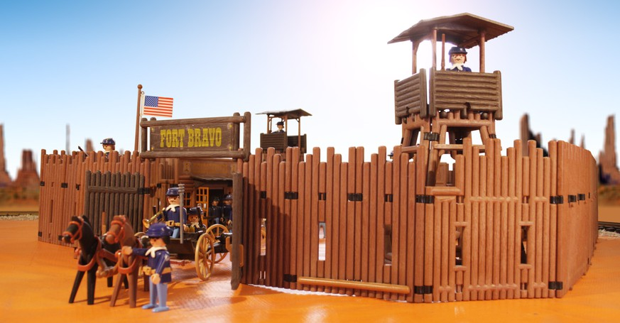http://pcc.pm/photo/07-fort-bravo-gate playmobil western fort bravo