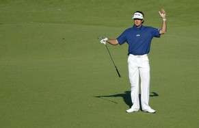 U.S. golfer Bubba watson reacts after a shot on the 15th hole during the third round of the Masters golf tournament at the Augusta National Golf Club in Augusta, Georgia April 12, 2014. REUTERS/Mike Blake (UNITED STATES  - Tags: SPORT GOLF)