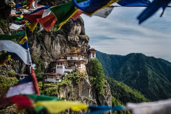 Bhutan: Während im Paro-Tal, der Hauptanlaufstelle für Touristen, im vergangenen Jahrzehnt die Zahl der Hotels verdreifacht wurde, entwickelt sich der Osten des Landes langsamer. Hier gibt es noch Dörfer, in denen Ausländer eine extreme Seltenheit sind, und in familiengeführten Homestays schmeckt der rote Reis mit Chili und Käse besonders gut.