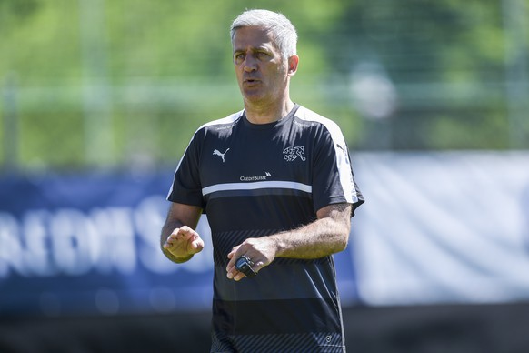 24.05.2016; Lugano; Fussball Euro 2016 - Vorbereitung Schweiz; Training;Trainer Vladimir Petkovic (SUI) (Andy Mueller/freshfocus)