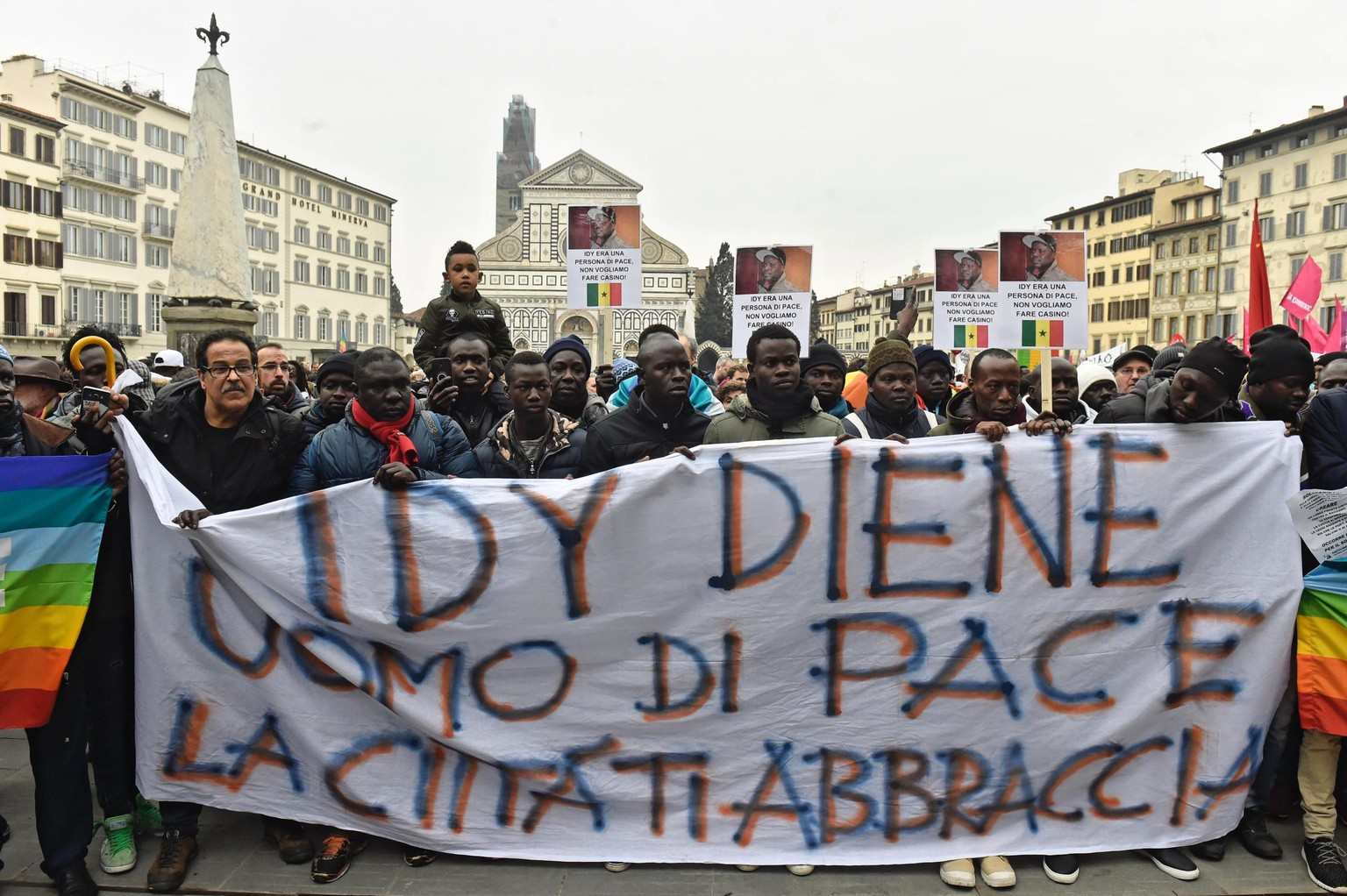 epa06594103 Members of the Senegalese community stage a demonstration in memory of Idy Diene, who died in Florence on 05 March following a fatal shooting, Florence, Italy, 10 March 2018.  EPA/MAURIZIO DEGL INNOCENTI
