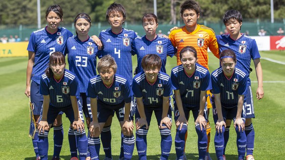epa07620560 Japan's starting eleven poses before the Women's soccer international friendly match between Spain and Japan in Le Touquet, France, 02 June 2019.  EPA/SEBASTIEN COURDJI