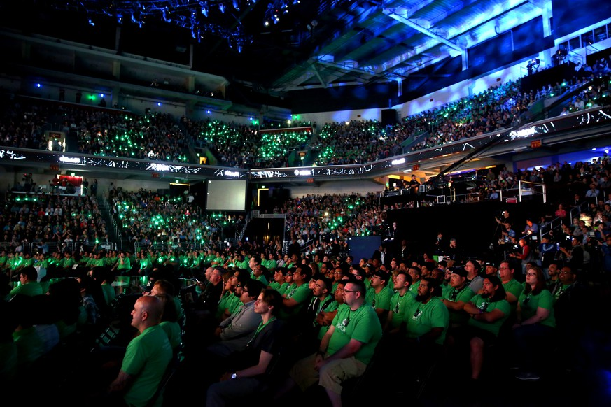 IMAGE DISTRIBUTED FOR MICROSOFT -  Crowds gather at the Xbox E3 2015 Briefing on Monday, June 15, 2015 in Los Angeles. (Photo by Matt Sayles/Invision for Microsoft/AP Images)