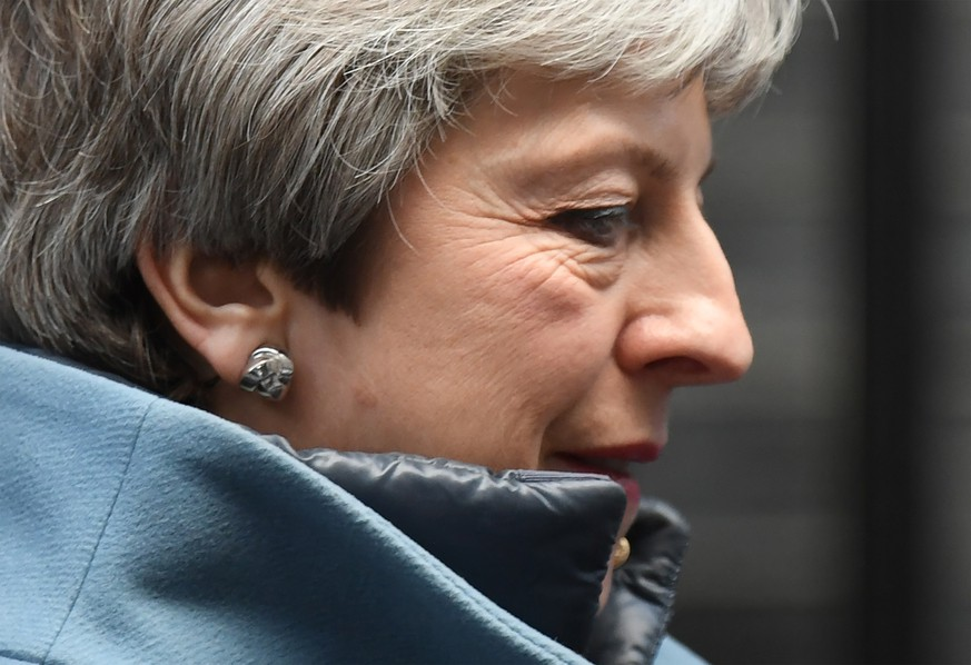 epa07462594 British Prime Minister, Theresa May leaves 10 Downing street to give a statement in the Houses of Parliament in London, Britain, 25 March 2019. Reports state that Theresa May updated ministers on her Brexit strategy at a meeting of her cabinet earlier in the day which comes as the EU announced that its preparation for a no-deal scenario has been completed.  EPA/FACUNDO ARRIZABALAGA