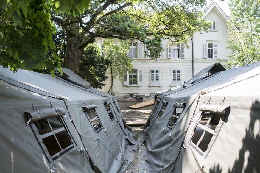 statt zelte gibt 39 s im aargau bald ikea h user f r. Black Bedroom Furniture Sets. Home Design Ideas