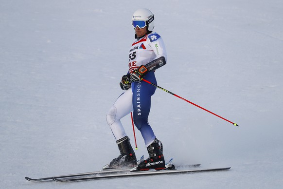 epa07372837 Juan Del Campo of Spain reacts in the finish area during the first run of the men's Giant Slalom at the 2019 FIS Alpine Skiing World Championships in Are, Sweden, 15 February 2019.  EPA/VALDRIN XHEMAJ