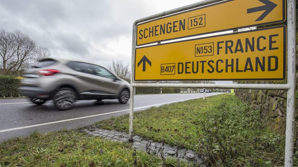 epa05138621 A view of a Schengen sign in the village of Schengen, Luxembourg, 01 February 2016. The town symbolizes the free movement of people and goods in 25 European countries under the Schengen Agreement signed in 1985 and 1990.  EPA/JULIEN WARNAND