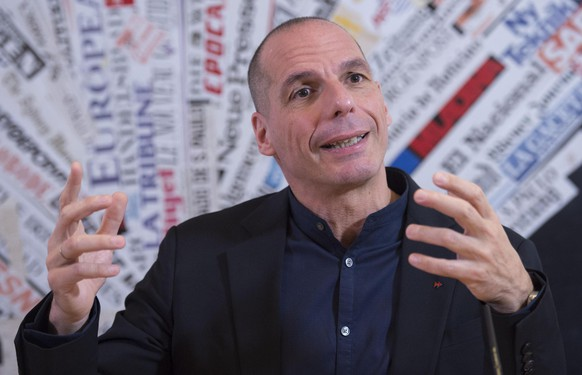 epa05867660 Former Greek Minister of Finance and DiEM25 Co-founder, Yanis Varoufakis gestures during a press conference presenting the Democracy in Europe Movement 2025 (DiEM25)'s 'European New Deal' at the Foreign Press headquarter in Rome, 24 March 2017. The DiEM25, a Pan-European political movement, launched its 'European New Deal' in Rome with an agenda offering economic and social answers for the whole of Europe, including the Eurozone as well as for countries outside of the EU.  EPA/GIORGIO ONORATI