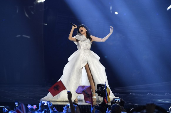 epa05300245 Dami Im of Australia performs the song 'Sound Of Silence' during rehearsals for the Second Semi-Final of the 61st annual Eurovision Song Contest (ESC) at the Ericsson Globe in Stockholm, Sweden, 11 May 2016. The event's grand final takes place on 14 May.  EPA/MAJA SUSLIN SWEDEN OUT
