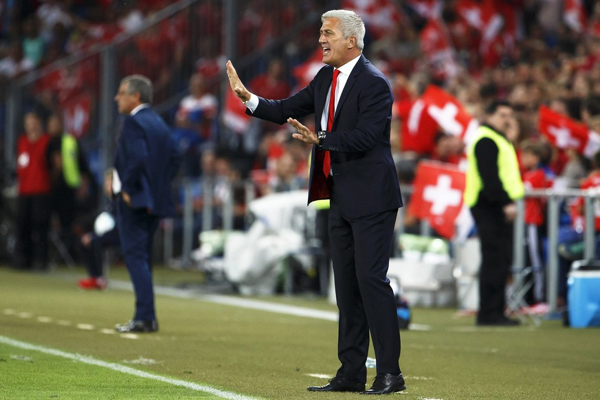 epa05527672 Swiss head coach Vladimir Petkovic reacts during the FIFA World Cup 2018 group B qualifying soccer match between Switzerland and Portugal at the St. Jakob-Park stadium in Basel, Switzerland, 06 September 2016.  EPA/SALVATORE DI NOLFI