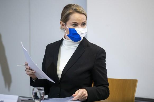 Regierungsraetin Natalie Rickli, Vorsteherin der Gesundheitsdirektion, spricht waehrend der Medienkonferenz ueber die aktuelle Lage und weiteres Vorgehen zur Eindaemmung der Corona-Pandemie am Dienstag, 8. Dezember 2020, in Zuerich. (KEYSTONE/Alexandra Wey)