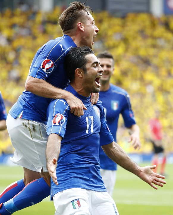 Football Soccer - Italy v Sweden - EURO 2016 - Group E - Stadium de Toulouse, Toulouse, France - 17/6/16 Italy's Eder celebrates after scoring their first goal  REUTERS/ Michael Dalder Livepic