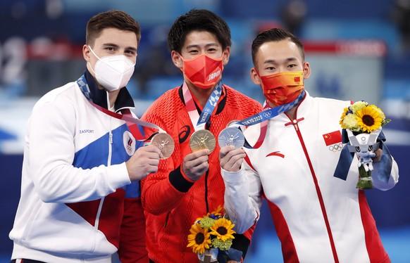 <strong>Kunstturnen, Männer, Mehrkampf</strong> Gold: Daiki Hashimoto (JPN) Silber: Xiao Ruoteng (CHN) Bronze: Nikita Nagornyy (ROC)