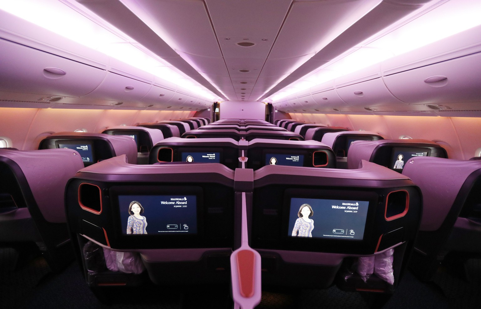 epa06386932 A view of seats in business class of the Airbus A380 aircraft for the Singapore Airlines before a ceremony at the Airbus's delivery center in Colomiers, near Toulouse, Southern France, 13 January 2017. The A380 aircraft is the first of five new planes provided with the new cockpit. Singapore Airlines is first carrier in the world to operate the new Airbus A380 planes.  EPA/GUILLAUME HORCAJUELO