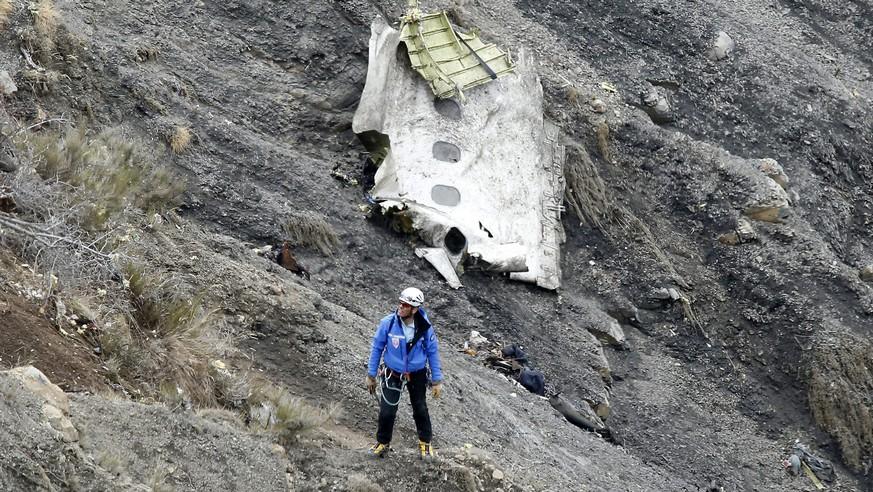 Gedenken an Germanwings-Absturz in Frankreich und Deutschland