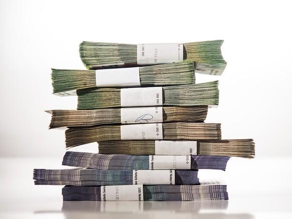 Kantone und Wirtschaftsverbände können derzeit zum Vorschlag Stellung nehmen, ob die Härtefallgelder auf 10 Milliarden Franken verdoppelt werden sollen. Der Bundesrat entscheidet voraussichtlich in einer Woche darüber. (Themenbild)