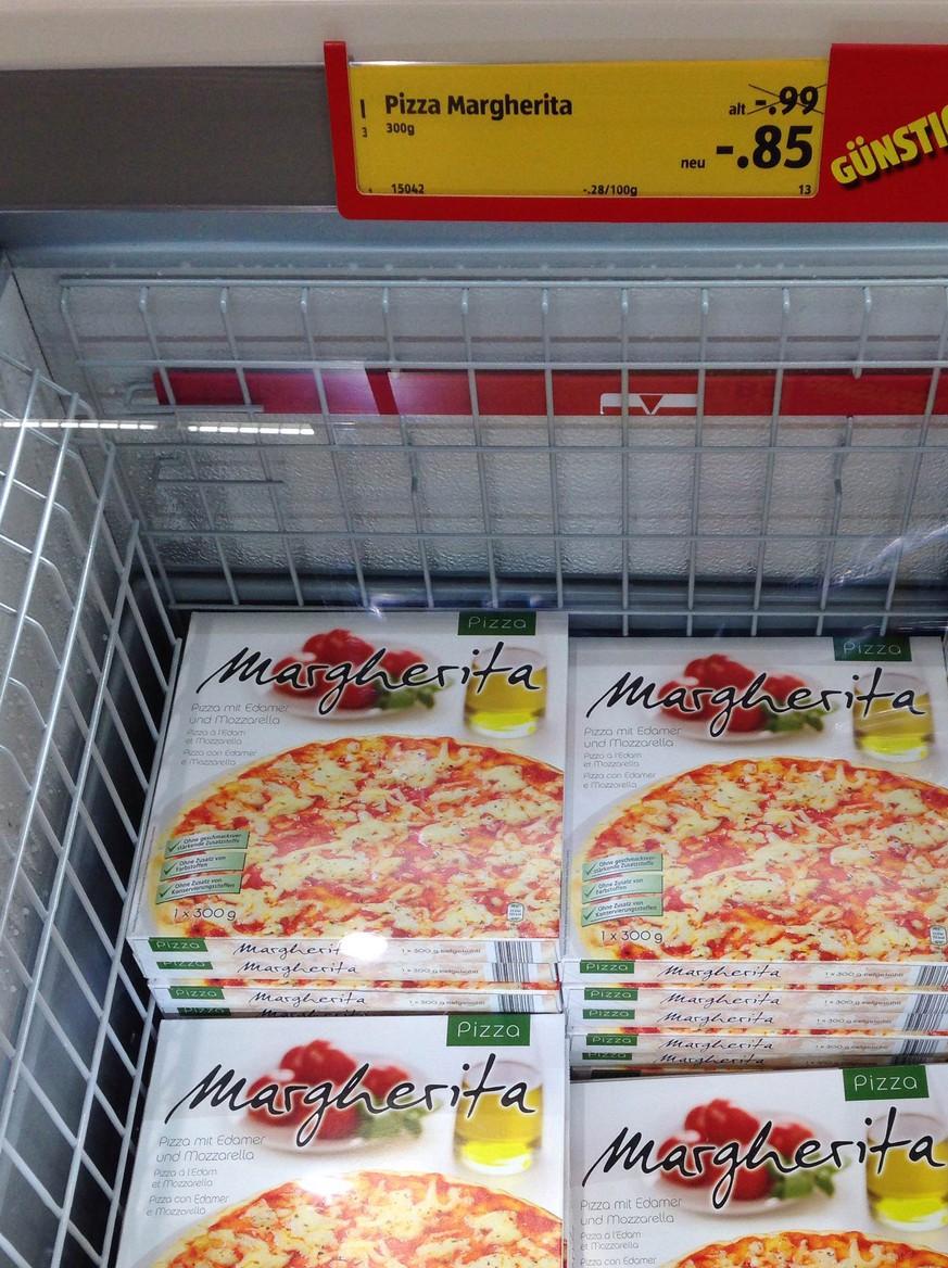 Wie Schmeckt Eigentlich Die 85 Rappen Pizza Wir Haben Den Test