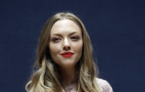 Hollywood actress Amanda Seyfried answers reporter's question during a press conference in Seoul, South Korea, Wednesday, Dec. 4, 2013. Seyfried arrived here, Tuesday, on a three-day visit for a commercial promotion. (AP Photo/Lee Jin-man)
