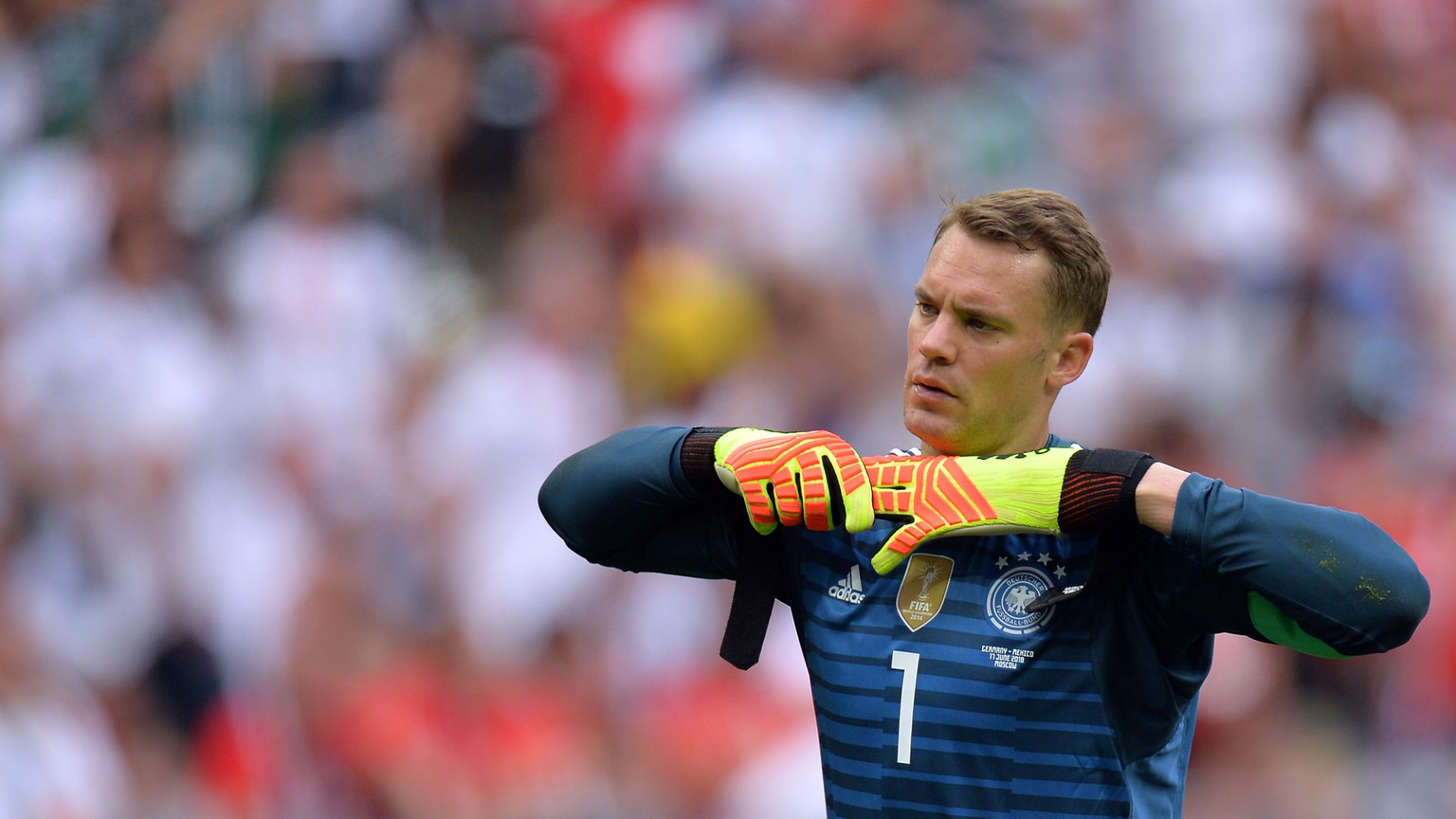 epa06816237 Goalkeeper Manuel Neuer of Germany reacts during the FIFA World Cup 2018 group F preliminary round soccer match between Germany and Mexico in Moscow, Russia, 17 June 2018.