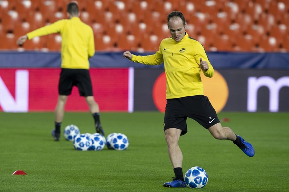 YB's Steve von Bergen, in action during a training session one day prior to the UEFA Champions League group stage group H match between Switzerland's BSC Young Boys Bern and Spain's Valencia CF, at the Mestalla stadium in Valencia, Spain,  this Tuesday, November 6, 2018. (KEYSTONE/Anthony Anex)