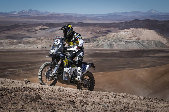 epa06147856 A handout photo made available by RallyZone shows Chilean Pablo Quintanilla participating in the third stage of the Atacama Rally, between Taltal and Mejillones, Chile, 16 August 2017. Quintanilla extended his lead in the Atacama Rally with a lead of three minutes and 34 seconds over the Portuguese Paulo Goncalves during the 349km third stage between Taltal and Mejillones.  EPA/RALLYZONE/CRISTIANO BARNI HANDOUT  HANDOUT EDITORIAL USE ONLY/NO SALES