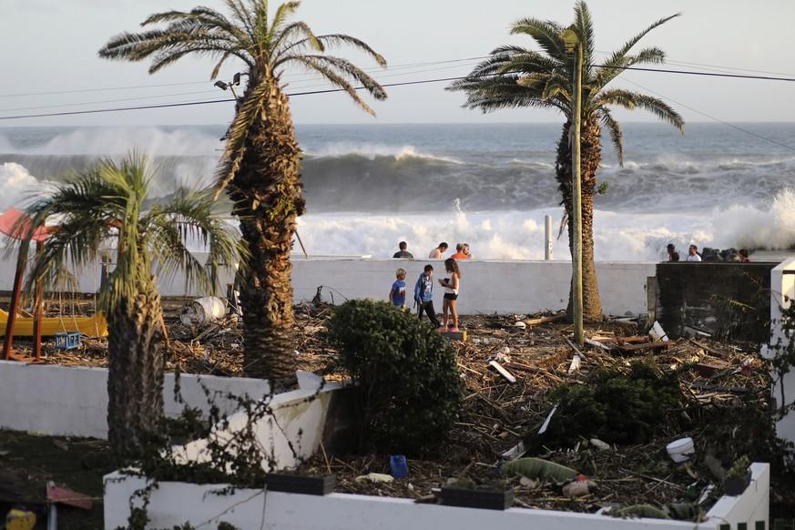 «Nicht so schlimm wie erwartet» – Hurrikan «Lorenzo» erreicht die Azoren