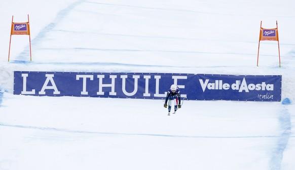 Italy's Nadia Franchini crosses the finish line to win a women's Alpine ski downhill race, in La Thuile, Italy, Saturday, Feb. 20, 2016. (AP Photo/Alessandro Trovati)