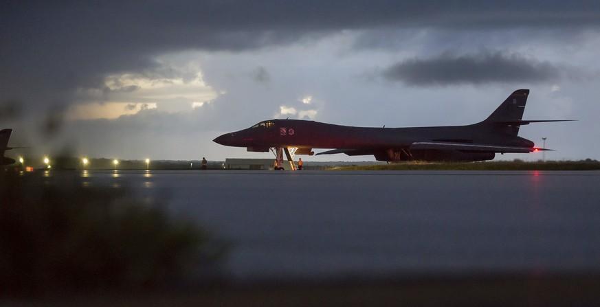 USA schicken Bomber und Jets in Gewässer östlich von Nordkorea
