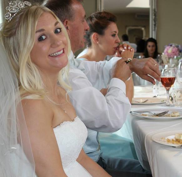 Frau stellt Brautkleid auf eBay – mit schwarzer Beschreibung - watson