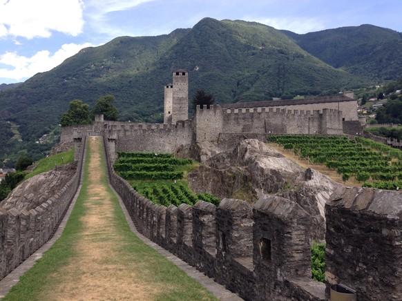 Was für ein herrliches Etappenziel: Bellinzona mit der Castelgrande.