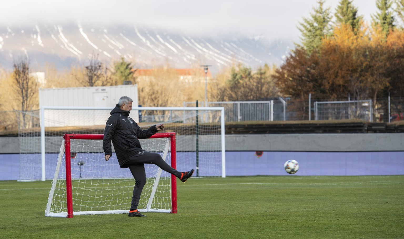 Switzerland's head coach Vladimir Petkovic during a training session the day before the UEFA Nations League soccer match between Iceland and Switzerland, at the Laugardalsvoellur stadium in Reykjavik, Iceland, on Sunday, October 14, 2018. (KEYSTONE/Ennio Leanza).