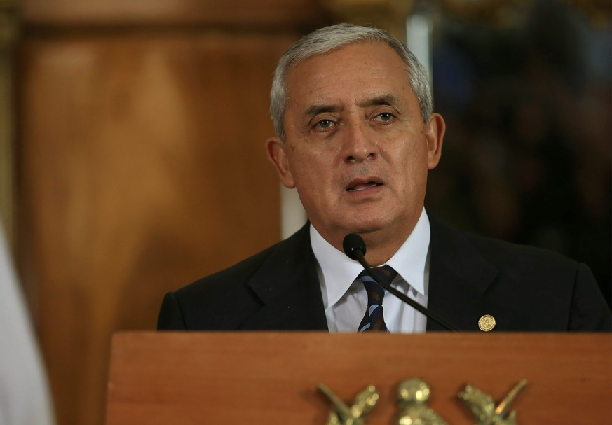 epa04759242 A handout picture provided by Presidency of Guatemala shows Guatemalan President Otto Perez Molina speaking during a press conference at presidential residence in Guatemala City, Guatemala, 20 May 2015. Perez Molina announced the dismissal of the Director of the Presidential Commission of Transparency and Electronic Government (Copret) Veronica Taracena, as part of his governmen's efforts to fight corruption in the country. Molina said he asked new Vice President Alejandro Maldonado Aguirre to propose an ideal person for the office.  EPA/PRESIDENCY OF GUATEMALA/HO  HANDOUT EDITORIAL USE ONLY/NO SALES