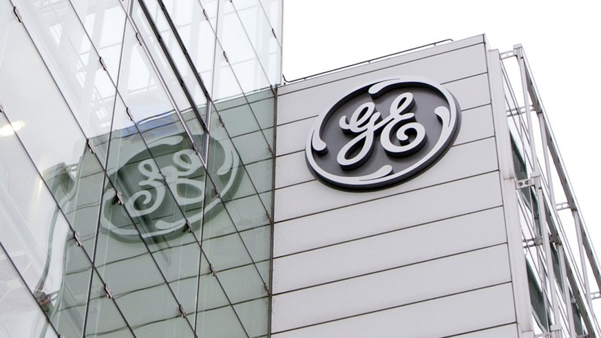 epa06278283 (FILE) -  A file photo dated 13 January 2016 showing an exterior view on the General Electric (GE) offices in Baden, Switzerland. GE, a global technology-, service- and finance-company that employs some 300.000 people in more than 100 countries, on 20 October 2017 reported a rise of 14.4 per cent in revenues to 33.47 billion USD in third quarter 2017, but at the same time cut its profits forecast for full year from 1.10 USD to 1.05 USD per share.  EPA/URS FLUEELER