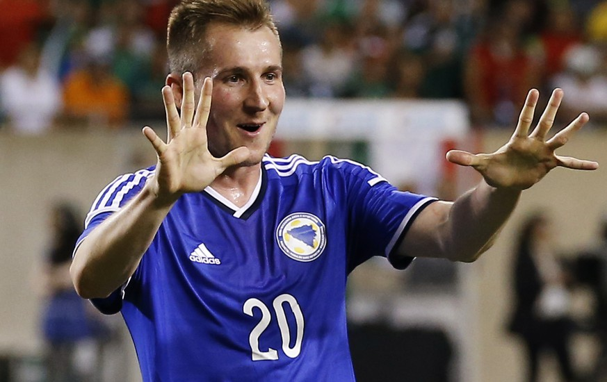 Bosnia and Herzegovina's Izet Hajrovic celebrates his goal during the first half of their international friendly soccer match against Mexico at Soldier Field in Chicago, Illinois June 3, 2014. REUTERS/Jim Young (UNITED STATES - Tags: SPORT SOCCER WORLD CUP)