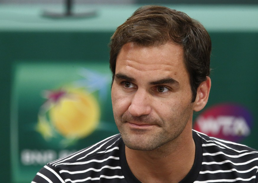 epa07418524 Roger Federer (C) of Switzerland speaks during the BNP Paribas Open Media Day round table at the Indian Well Tennis Garden in Indian Wells, California, USA, 06 March 2019. The men's and women's final will be played on 17 March 2019.  EPA/LARRY W. SMITH