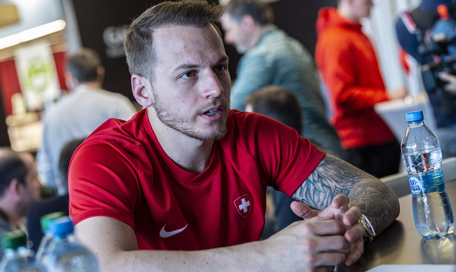 Switzerland`s Sven Andrighetto speaks with the Journalist during the Media Day from Team Switzerland, at the IIHF 2019 World Ice Hockey Championships, at the Ondrej Nepela Arena in Bratislava, Slovakia, on Friday, May 17, 2019. (KEYSTONE/Melanie Duchene)