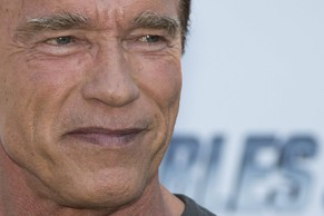 epa04211976 US actor Arnold Schwarzenegger poses during a photocall for 'The Expendables 3' at the 67th annual Cannes Film Festival, in Cannes, France, 18 May 2014. The festival runs from 14 to 25 May.  EPA/IAN LANGSDON