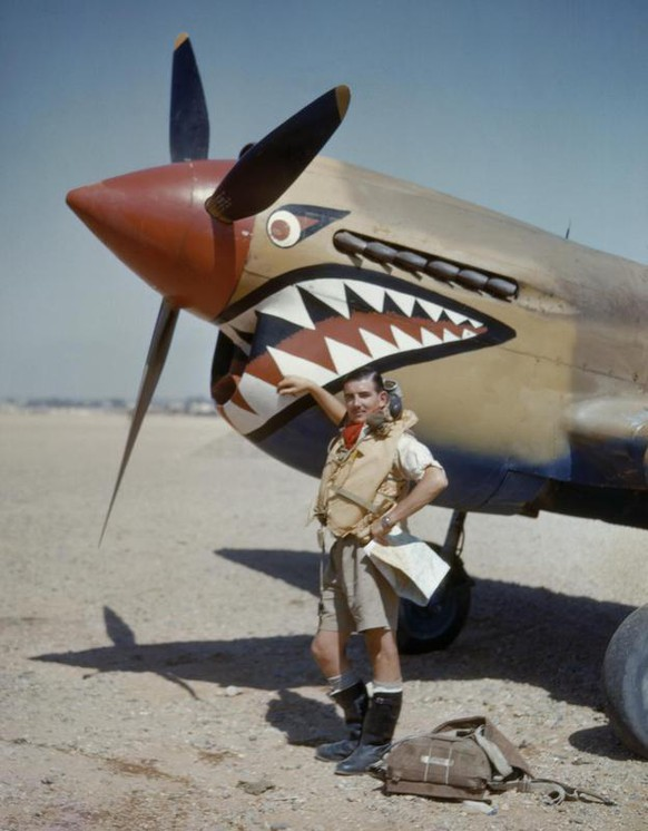 Curtiss Kittyhawk 112 Squardon RAF Libyen ägypten WW2  https://en.wikipedia.org/wiki/No._112_Squadron_RAF