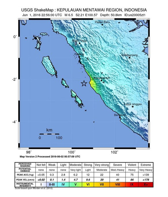 epa05341270 A handout shakemap released by the US Geological Survey (USGS) shows the location of a 6.5 magnitude earthquake striking some 91km West of Sungaipenuh, Indonesia, 02 June 2016. There are no immediate reports on casualties or damage. According to reports, the quake, centered in the Mentawai Basin, shook office buildings in Singapore, some 500km away.  EPA/USGS  HANDOUT EDITORIAL USE ONLY