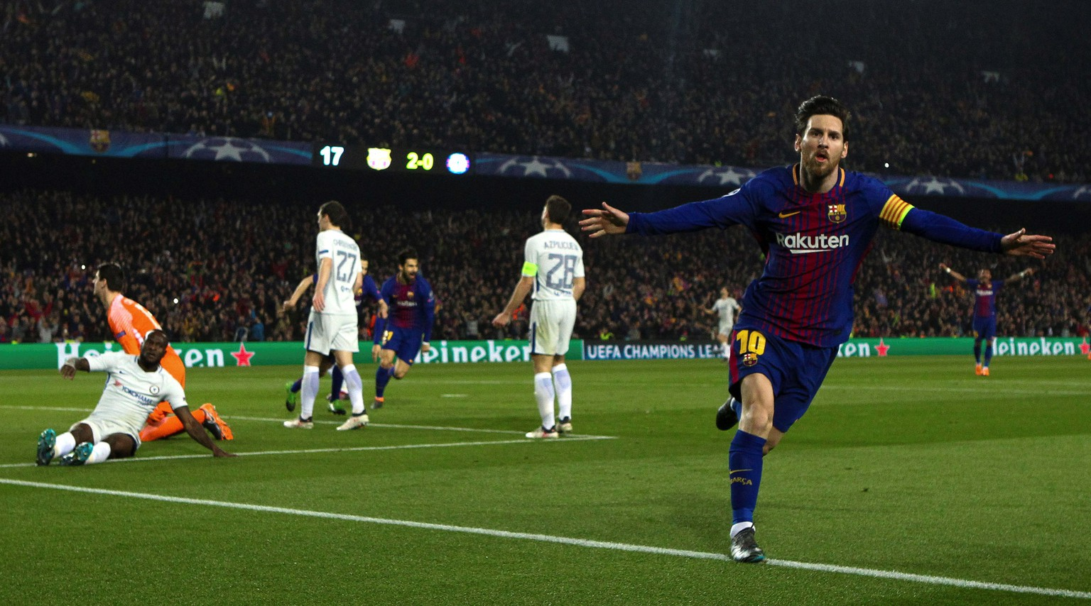 epa06604599 FC Barcelona's Lionel Messi (R) celebrates a goal  during the UEFA Champions League Round of 16, second leg soccer match between FC Barcelona and Chelsea FC at Nou Camp stadium in Barcelona, Spain, 14 March 2018.  EPA/ENRIC FONTCUBERTA