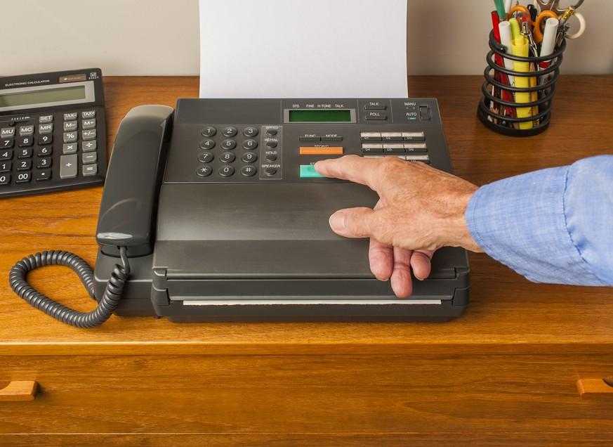 Schweizer Botschaften nutzen noch Fax-Geräte – das soll sich jetzt ändern