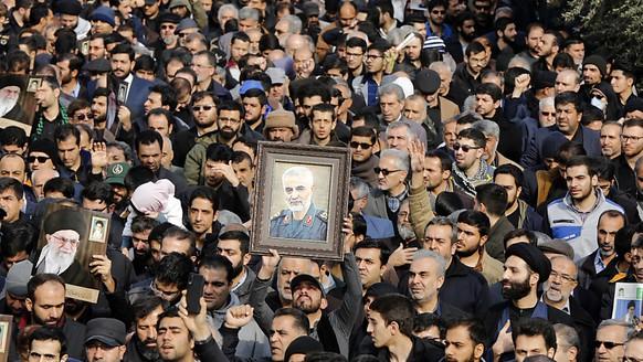 Trauerkundgebung für den getöteten General Ghassem Soleimani in Teheran.
