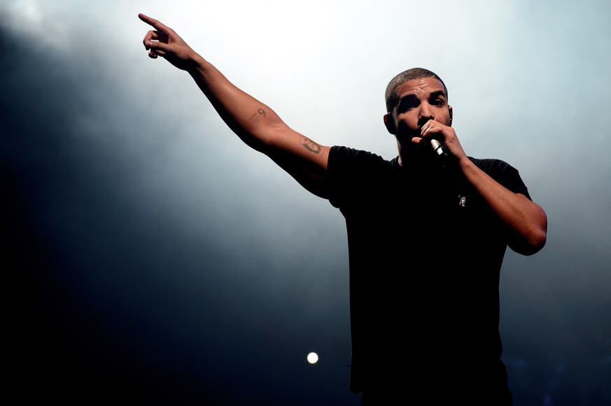 Canadian singer Drake performs on the main stage at Wireless festival in Finsbury Park, London, Sunday, June 27, 2015. (Photo by Jonathan Short/Invision/AP)