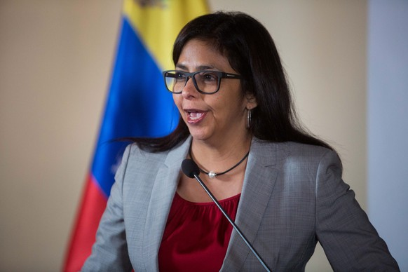 epa05456834 Minister of Foreign Affairs of Venezuela Delcy Rodríguez speaks during a press meeting at the headquarters of the Foreign Ministry, in Caracas, Venezuela, 05 August 2016. Rodriguez said she will not let Argentina, Brazil and Paraguay, take the pro tempore presidency of Mercosur, which she said Venezuela will fully exercise. Differences between Venezuela and three of its four partners in Mercosur began last 29 July when Uruguay announced that it ended its mandate of the bloc and found that there was no legal impediment for Venezuela to assume the role, despite the opinion of other members of the bloc.  EPA/MIGUEL GUTIERREZ