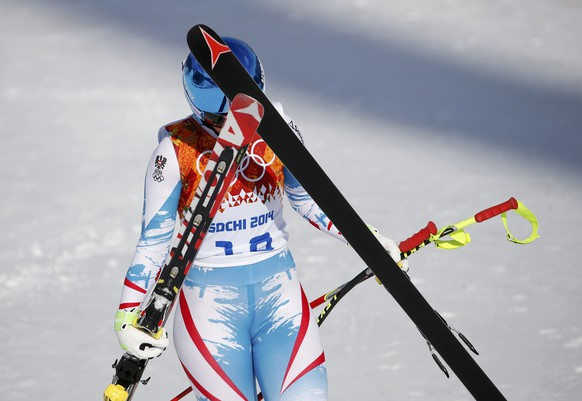 Austria's Michaela Kirchgasser reacts in the finish area after competing during the downhill run of the women's alpine skiing super combined event during the 2014 Sochi Winter Olympics February 10, 2014.    REUTERS/Leonhard Foeger (RUSSIA  - Tags: OLYMPICS SPORT SKIING)