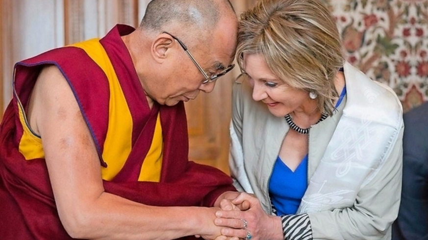 Dalai Lama mit Maya Graf in Bern (April 2013)